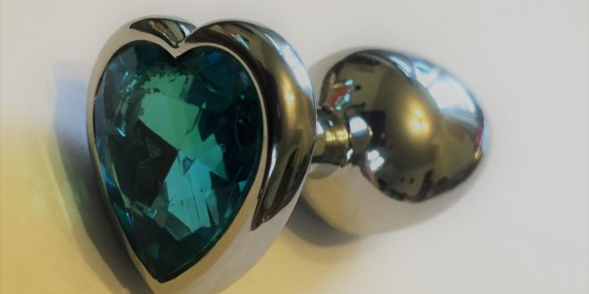 Heart shaped blue gem metal butt plug